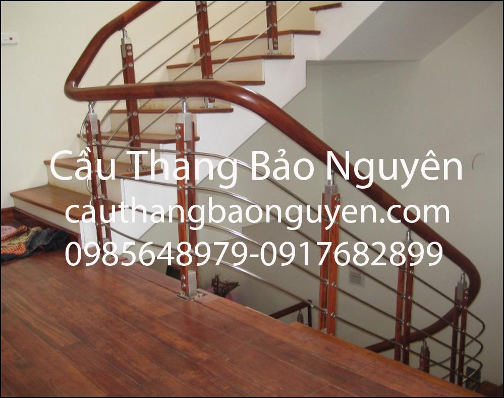 mẫu cầu thang inox đẹp đơn giản bậc lim lào đẹp M8
