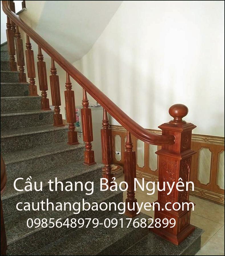 cầu thang mặt đá tay vin gỗ lim đẹp M1