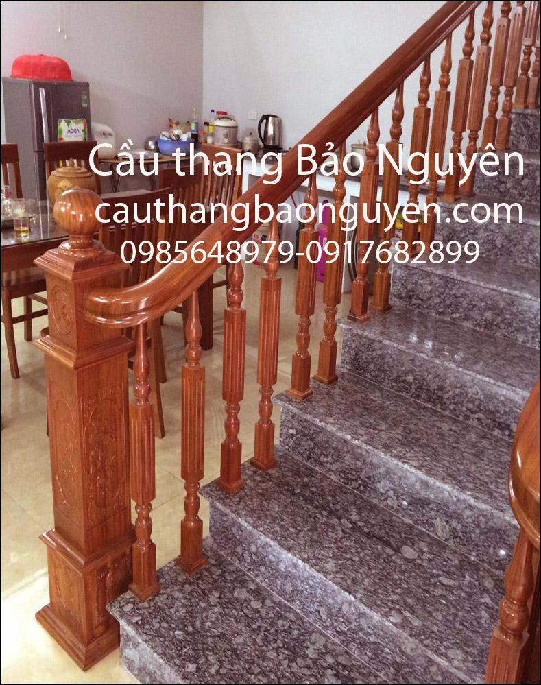 mẫu tay vịn cầu thang song đơn tiện vuông gỗ lim nam phi M5