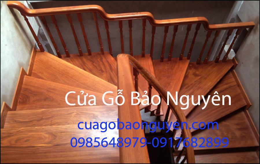 mẫu cầu thang ốp gỗ lim nam phi vân đẹp M4