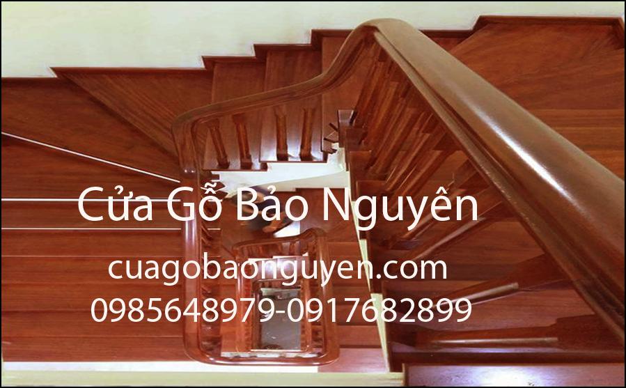 mẫu cầu thang ốp gỗ lim lào đẹp M6