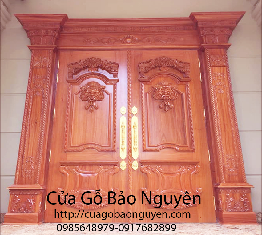 Mẫu cửa đại sảnh mặt tiền bằng gỗ gõ đẹp M1
