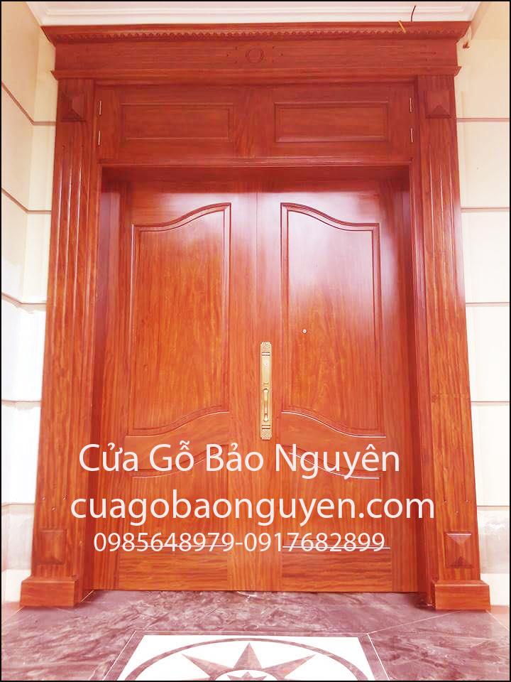 cửa gỗ hương đỏ đẹp M6