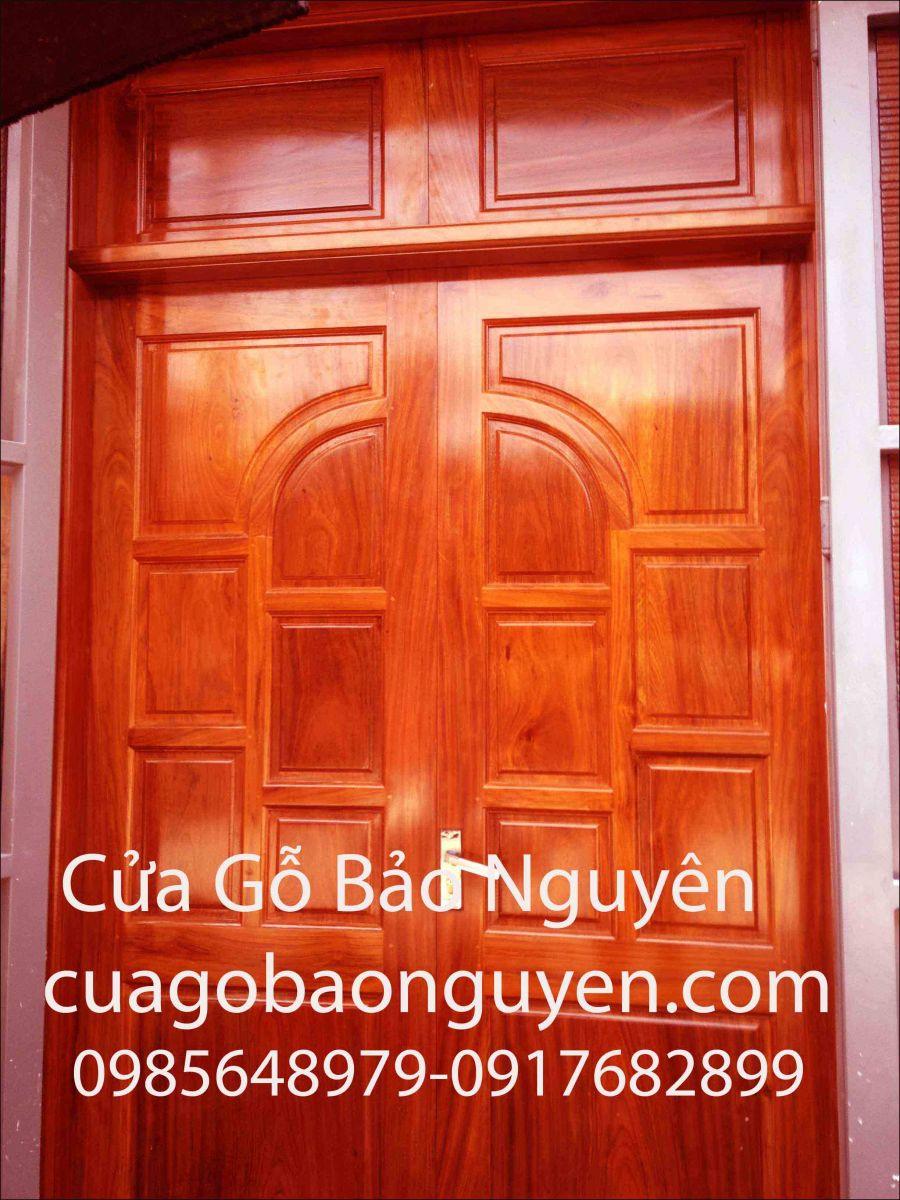 cửa đi 2 cánh gỗ lim nam phi kiểu vòm ô mì M7