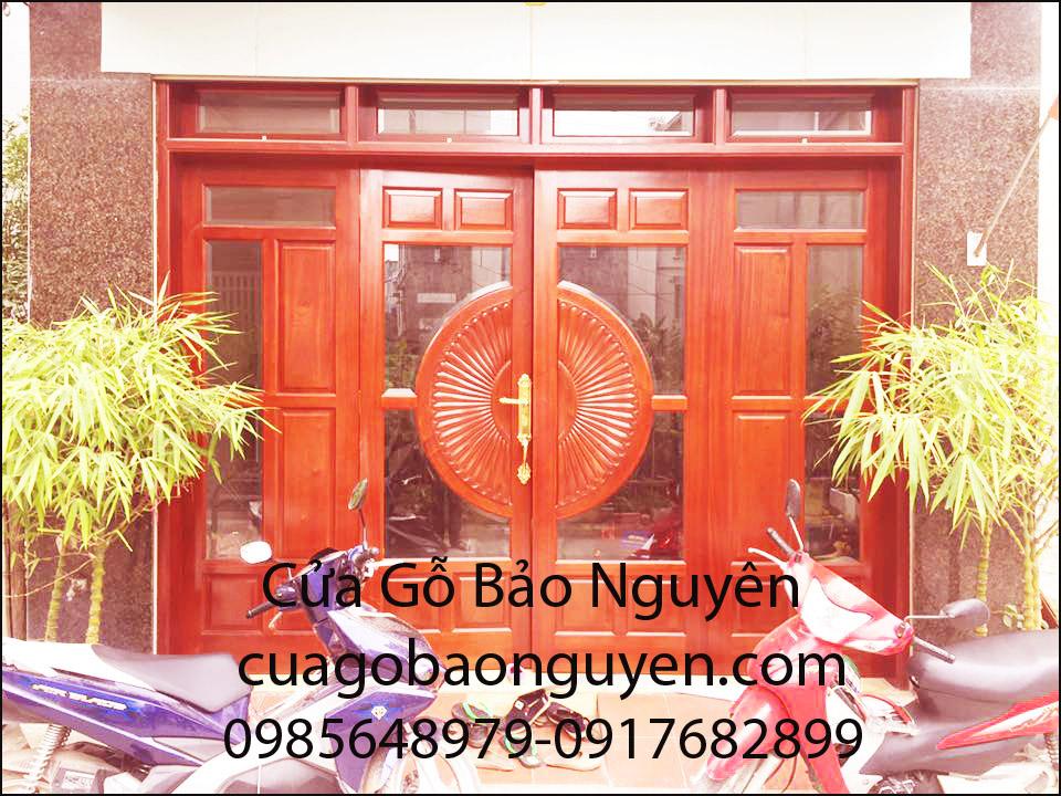 cửa đi mặt tiền 4 cánh pano-kính gỗ lim M5