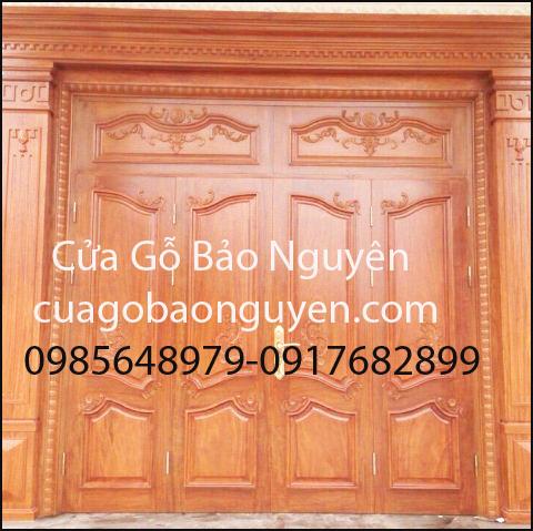 cửa gỗ đại sảnh mặt tiền 4 cánh đẹp cho biệt thự M6