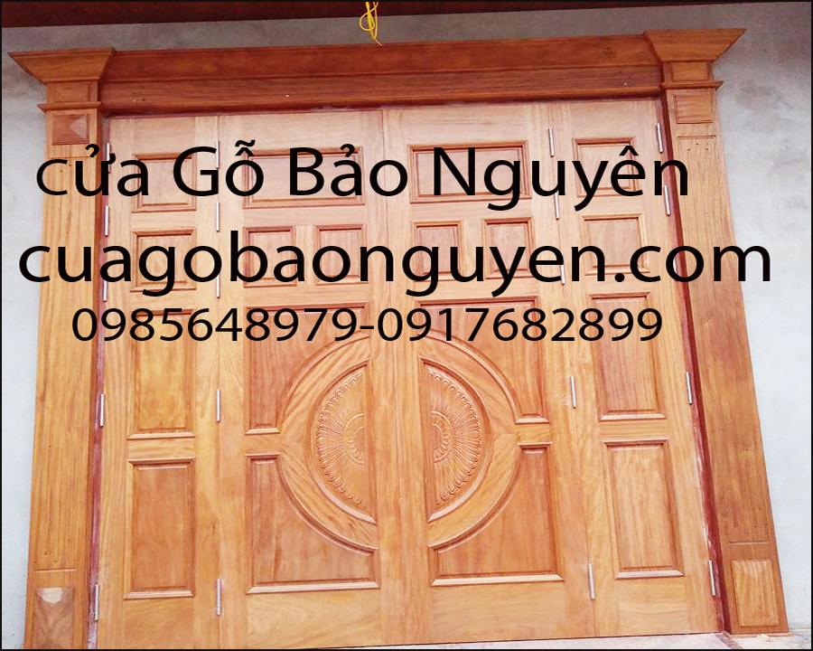 cửa gỗ 4 cánh mặt tiền nẹp đắp gỗ lim đẹp M7