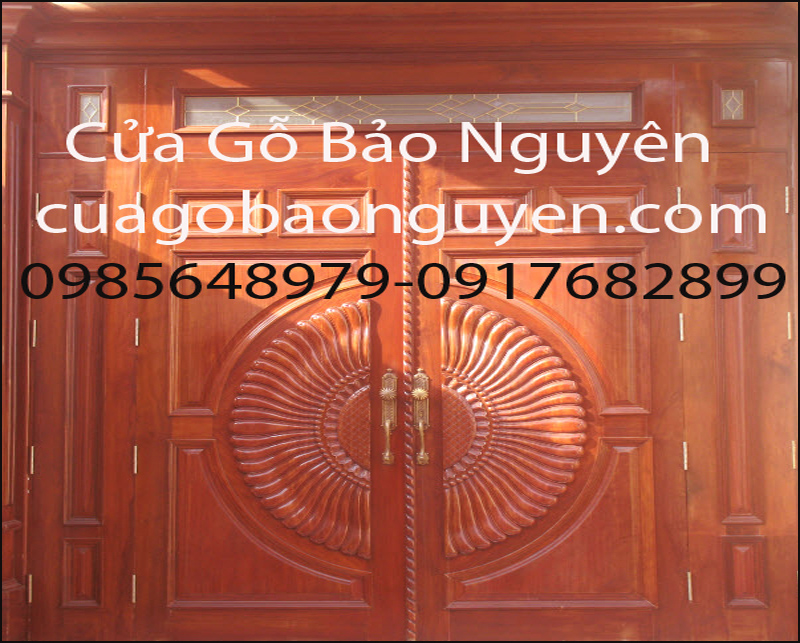 mẫu cửa 4 cánh đục quạt gỗ lim đẹp M9