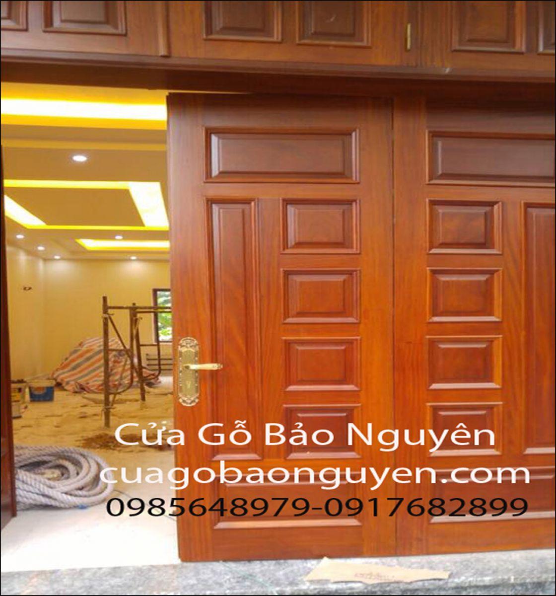 cửa đi mặt tiền 4 cánh 7 lá nẹp đắp mặt tiền gỗ lim M10