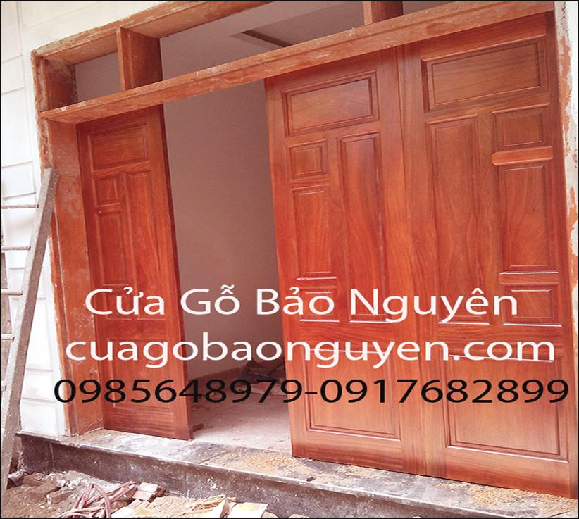 cửa đi mặt tiền 4 cánh gỗ lim nam phi đẹp M13