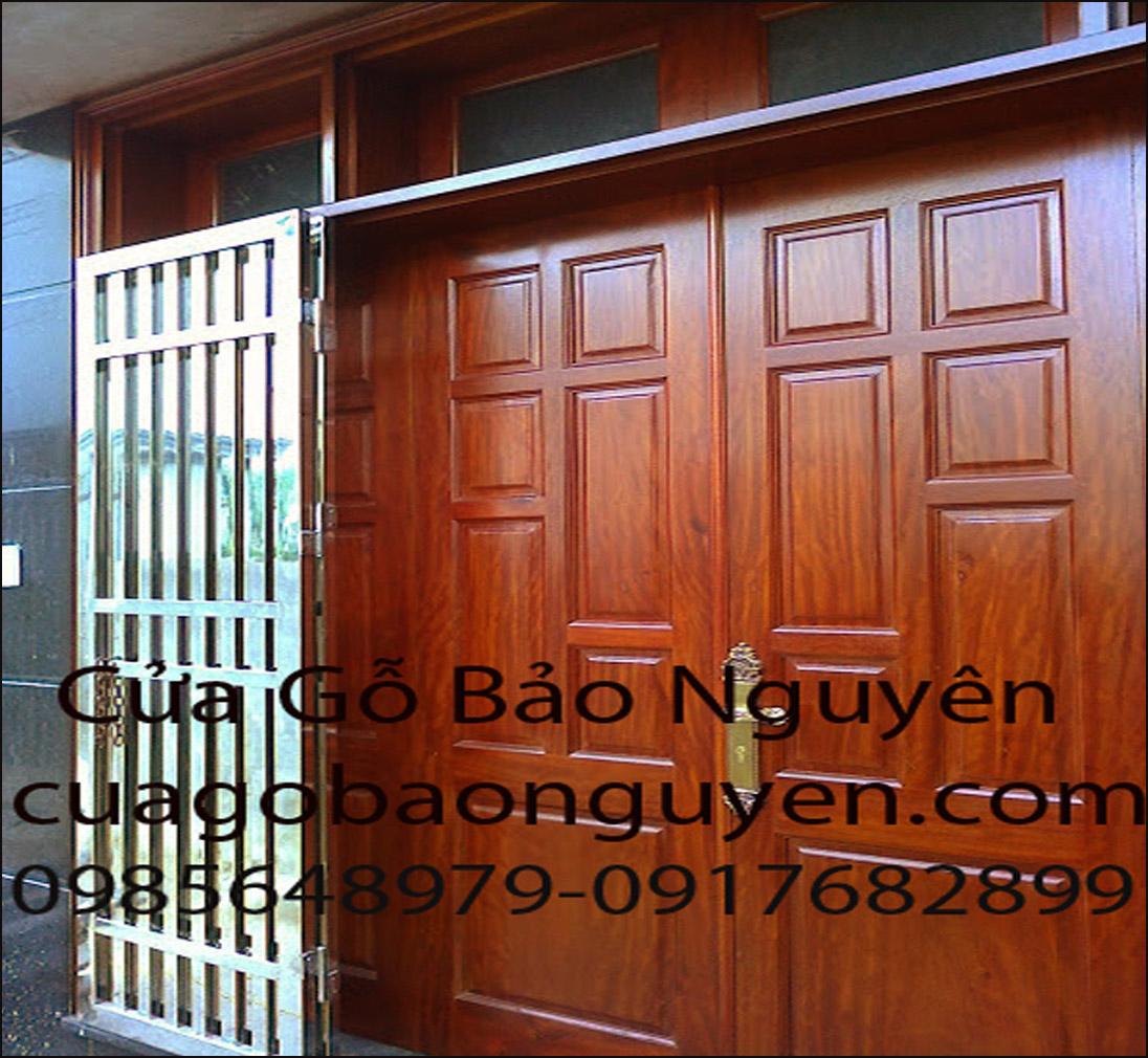 mẫu cửa đi gỗ lim lào 4 cánh đẹp cho mặt tiền M16