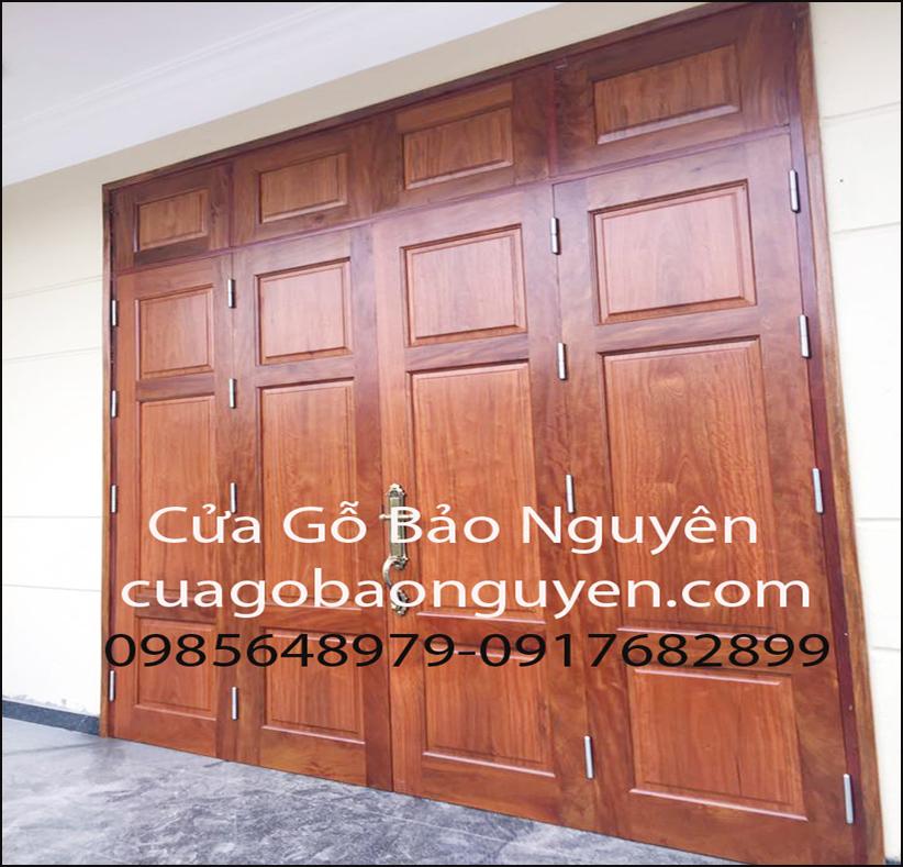 cửa đi 4 cánh gỗ lim lào 3 lá vuông rất đẹp M17