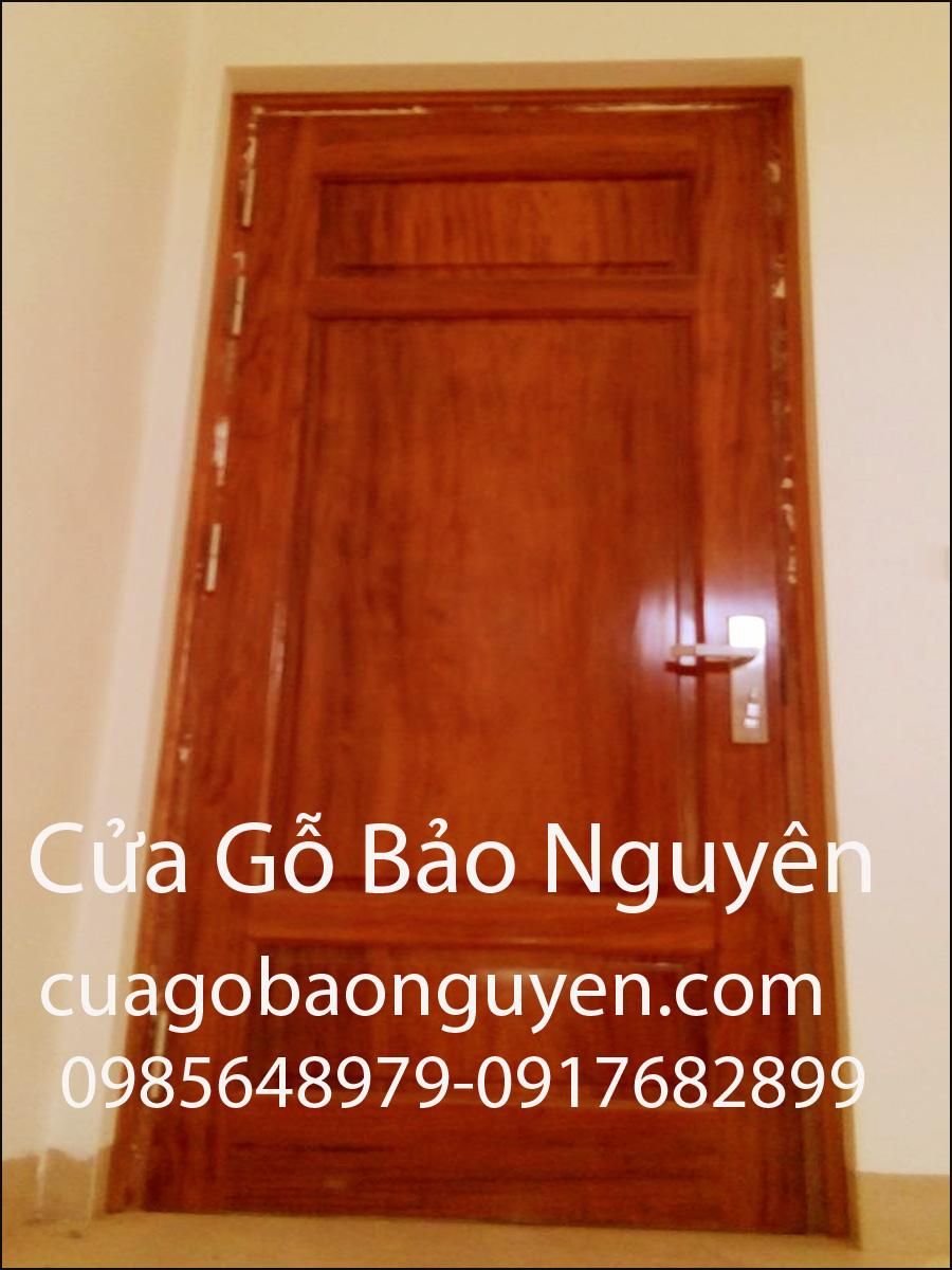 mẫu cửa gỗ lim thông phòng 3 lá M7