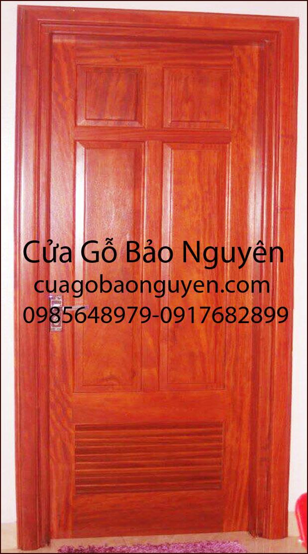 Mẫu cửa phòng vệ sinh WC gỗ lim đẹp M9