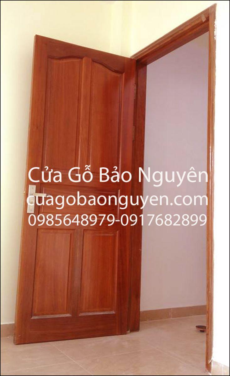 mẫu cửa thông phòng vòm lược lá cổ M10
