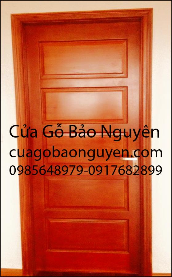 cửa thông phòng gỗ dổi 5 lá ngang M11