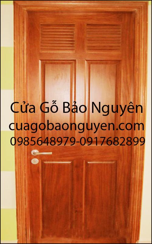 cửa đi phòng vệ sinh gỗ lim đẹp M15